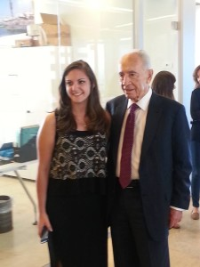Elana with the former Prime Minister and President of Israel and founder of the Peres Center for Peace Shimon Peres.